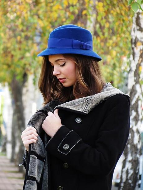 Sombrero-azul-lazo