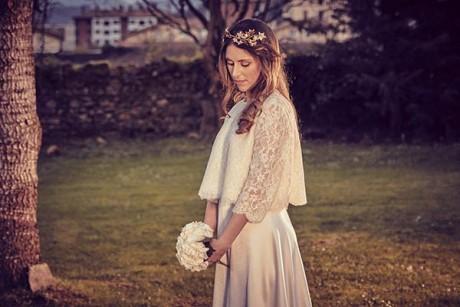 Tiara-flores-dorada-novia